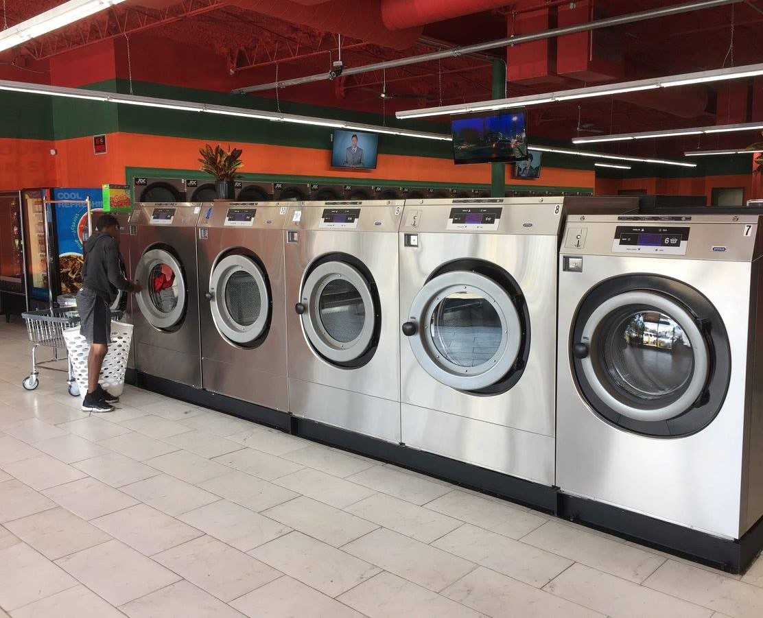 laundromat entertainment tvs vending machines